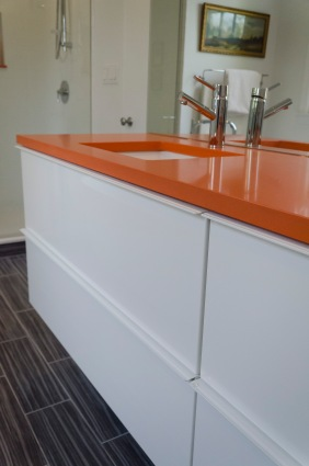 Master bath double sink detail